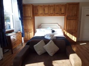 Room2e