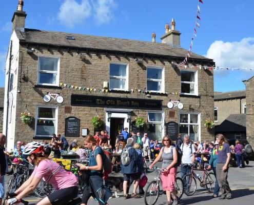 Tour-de-France-comes-to-THE-north-yorkshire-pub